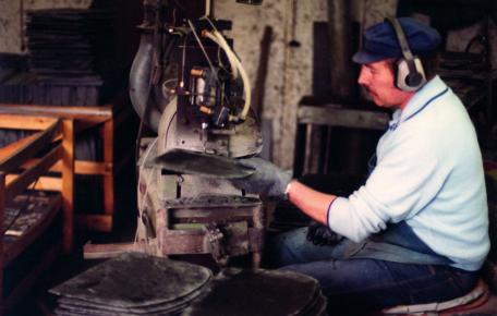 Beginn der Weiterverarbeitung von spanischem Schieferals erstes deutsches Unternehmen ca. 1970