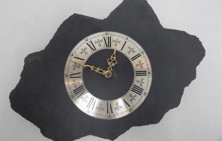 Schiefer Uhr anthrazit